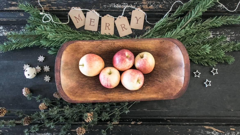 Enjoy Apples This Holiday Season